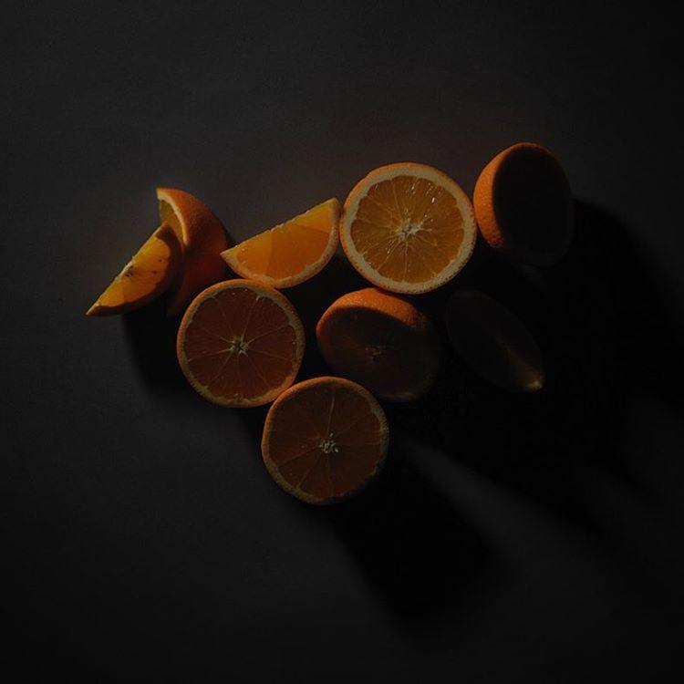 Oranges #foodporn #dark #food #stilllife #foodphotography #orange #grey #onset #newwork