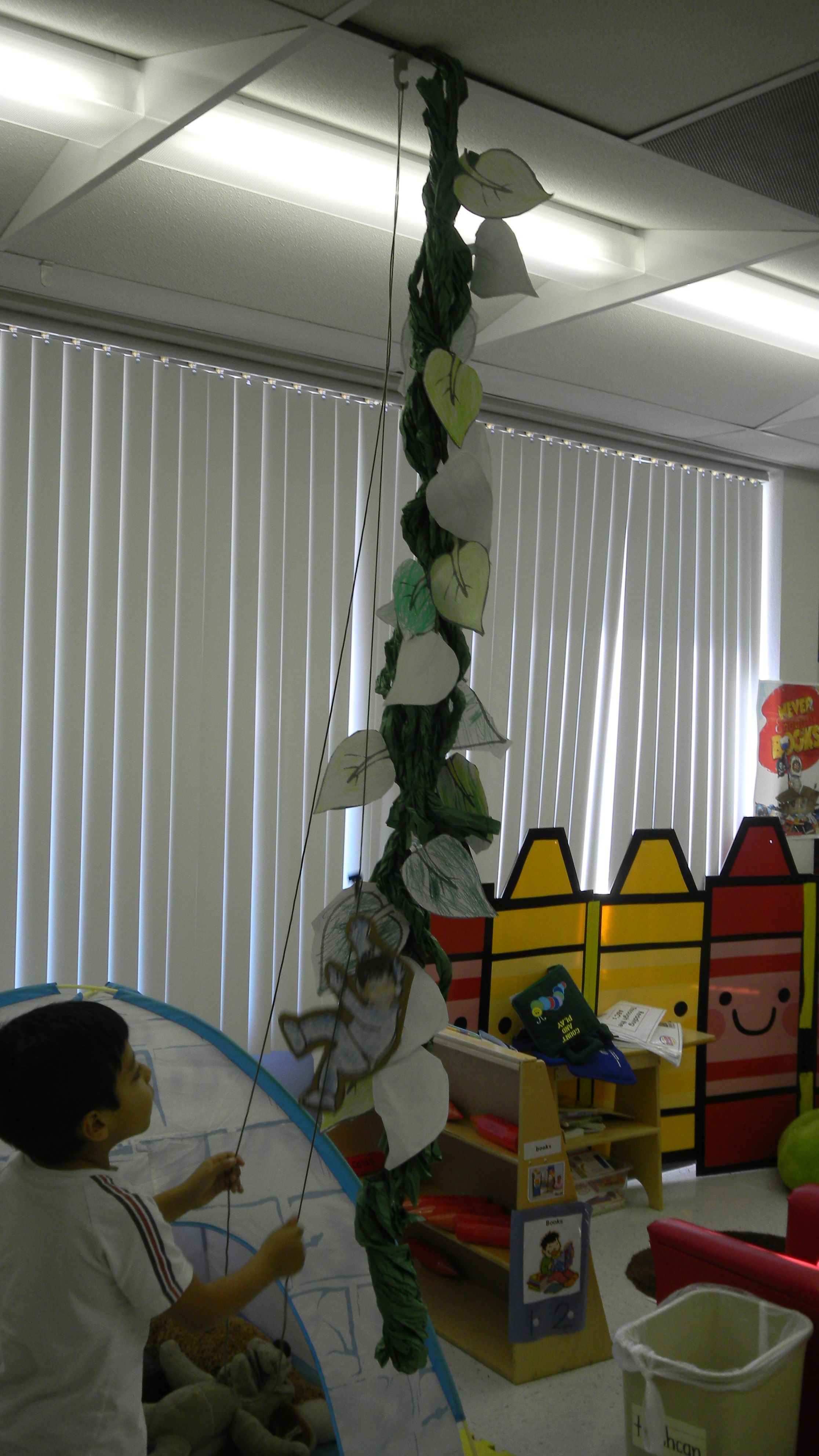 Cute Project When Learning About Jack And The Beanstalk Each Student Colors Cuts Out A Leaf