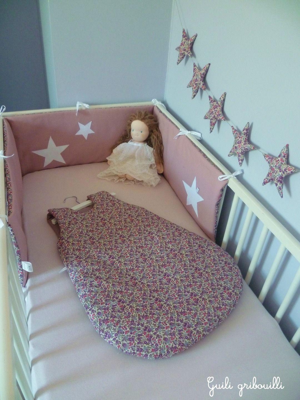 tour de lit et gigoteuse liberty rose mod le d pos linge de lit enfants par guiligribouilli. Black Bedroom Furniture Sets. Home Design Ideas