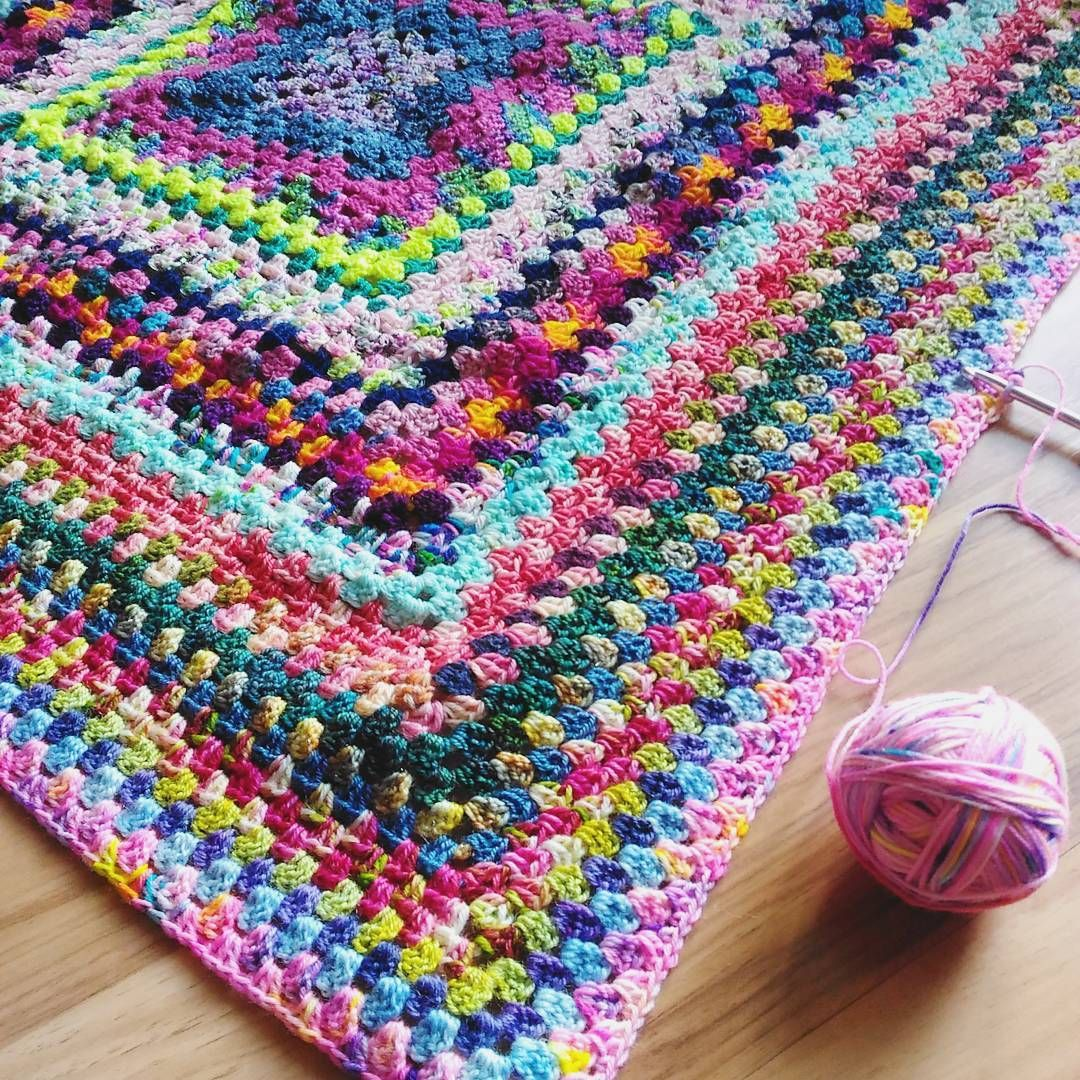"""Giant Granny Square - Julia (@thehappyknittingpodcast) on Instagram: """"This is my Saturday afternoon - crocheting on my #giantgrannysquareblanket 😍😍😍 It's puckering a…"""""""