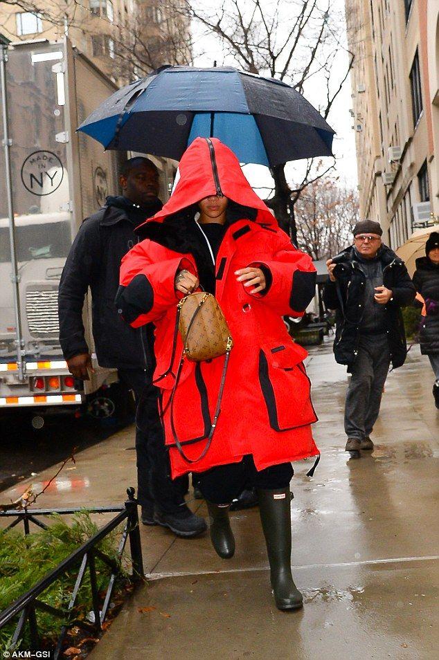 Splash out on a Pair of Hunter Wellington Boots like Rihanna | Buy ➜ https://shoespost.com/splash-pair-hunter-wellington-boots-like-rihanna/