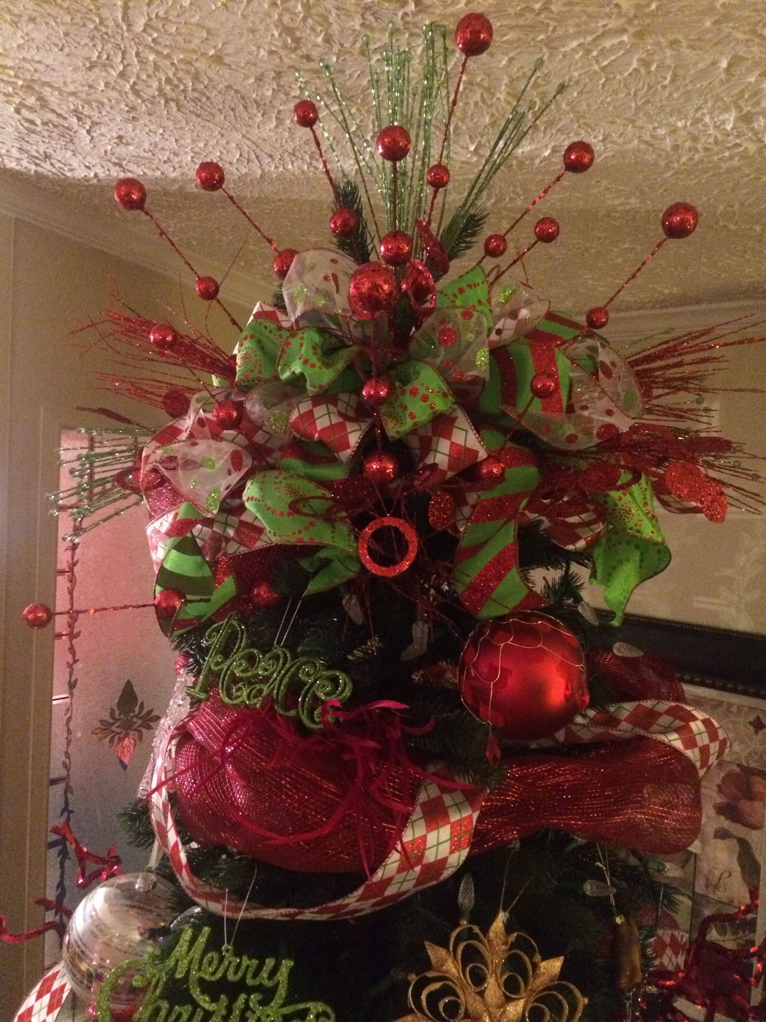 christmas tree topper made with ribbon from sam 39 s club and florals from hobby lobby easy. Black Bedroom Furniture Sets. Home Design Ideas