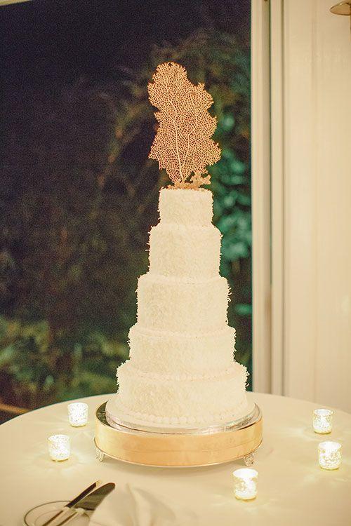 An Island Inspired Destination Wedding In Montego Bay Jamaica Destination Wedding Beautiful Wedding Cakes Destination Wedding Jamaica