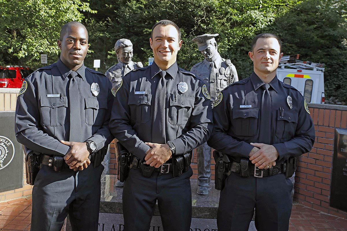 Clarksville Police Department Has Three Graduate From Tennessee Law Enforcement Training Academy Clarksville Tn Online Law Enforcement Training Training Academy Law Enforcement