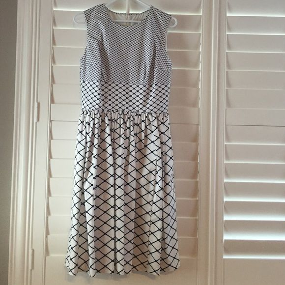 961ad53cdd14 Isaac Mizrahi for Target dress Sleeveless navy and white patterned fully  lined flare dress. NWOT... Never been worn. Size 8 Isaac Mizrahi Dresses