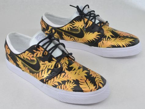 detailed look d0cda e6220 Custom Black   Gold Tropical Floral Nike SB Zoom Stefan Janoski - Hand  Painted
