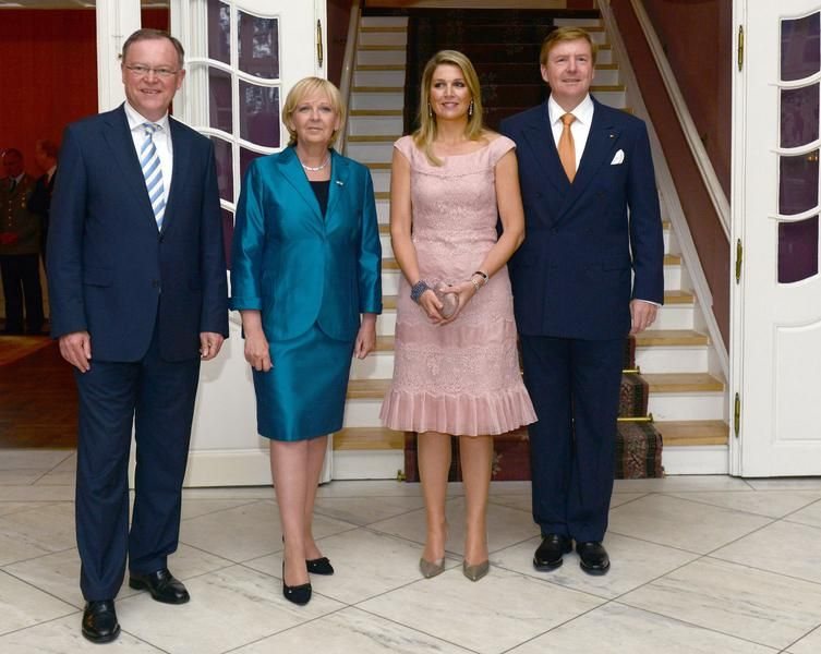 royalwatcher:  Queen Maxima and King Willem-Alexander, shown here with politicians Stephen Weil and the Governor of North Rhine-Wesphalia Hannelore Kraft, attended a dinner, Münster, Germany, May 26, 2014.