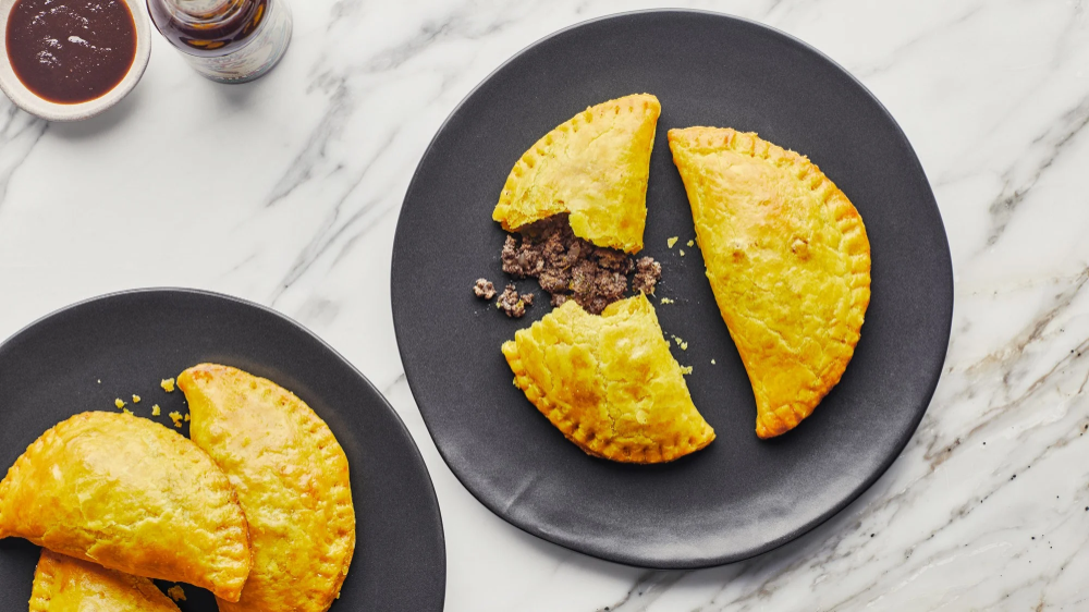 jamaican beef patties  recipe in 2020  jamaican beef