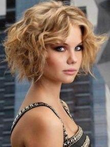 Coiffure cheveux frisés courts femme http//lookvisage