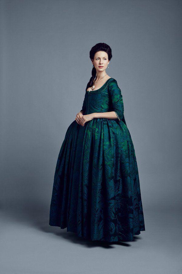 The Green Dress again. (The Outlander season 2)