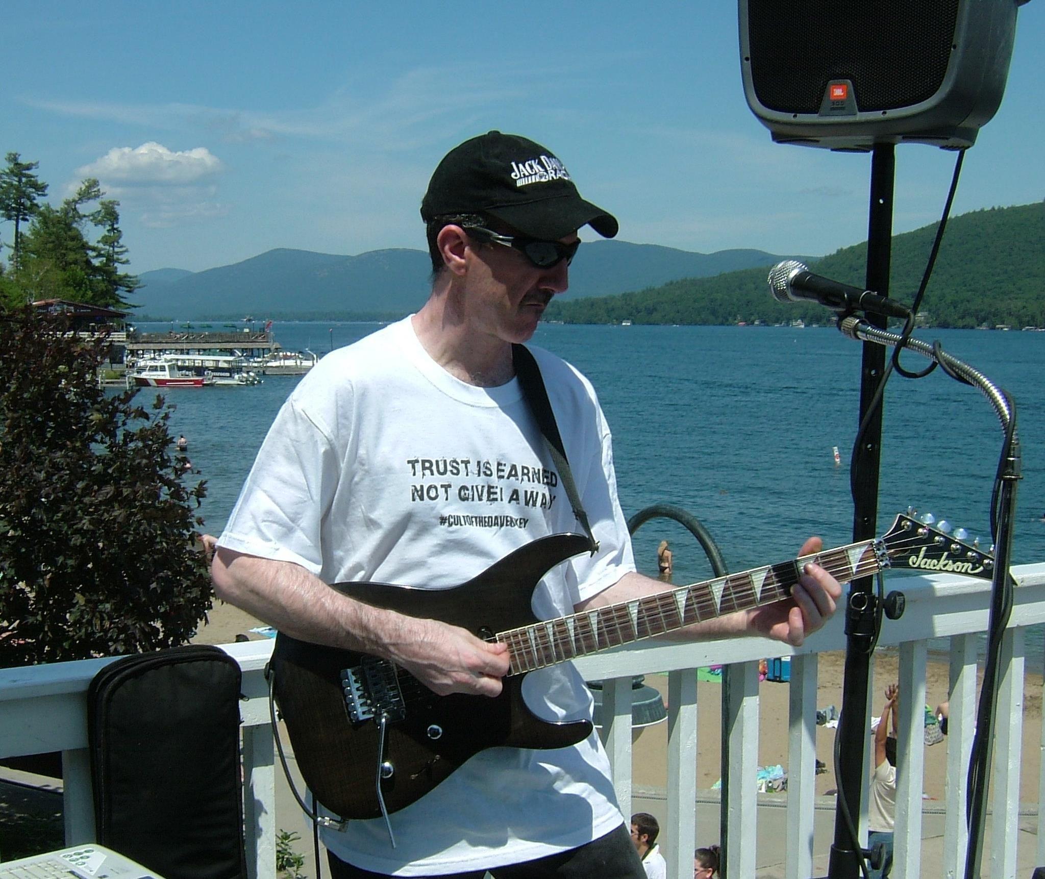Scott Price wearing a #cultofthedavekrykey t-shirt