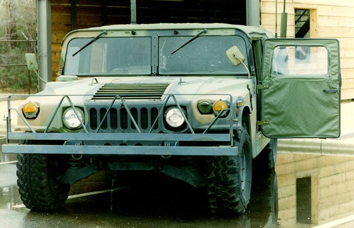 HMMWV set up as communications vehicle that carries 206