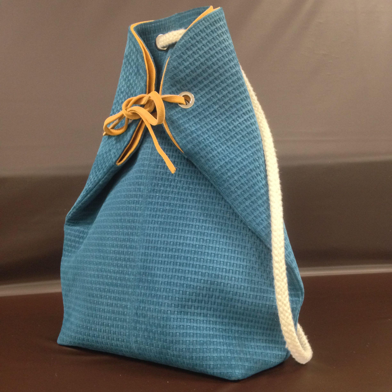 sac dos en cuir velours gaufr collection sequana r alis par la classe 1 re bac pro. Black Bedroom Furniture Sets. Home Design Ideas