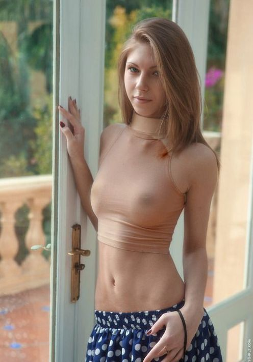 nude athlet young lady