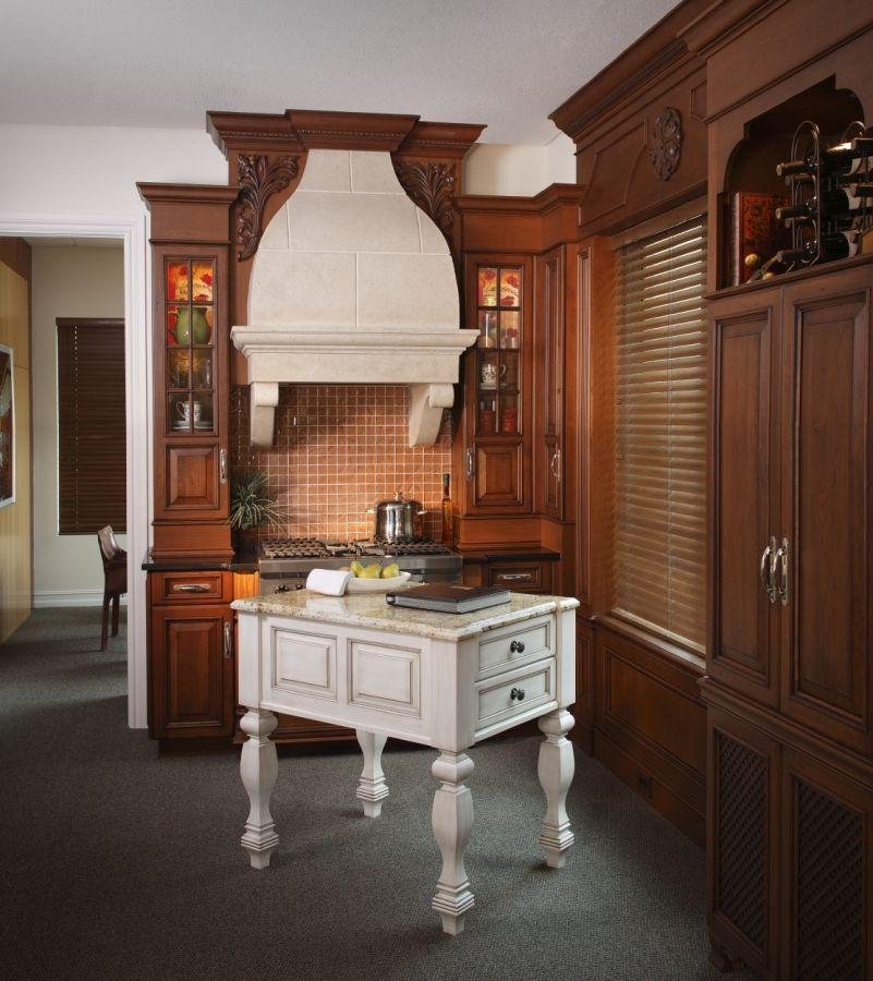 Naples Showroom design, Custom kitchen