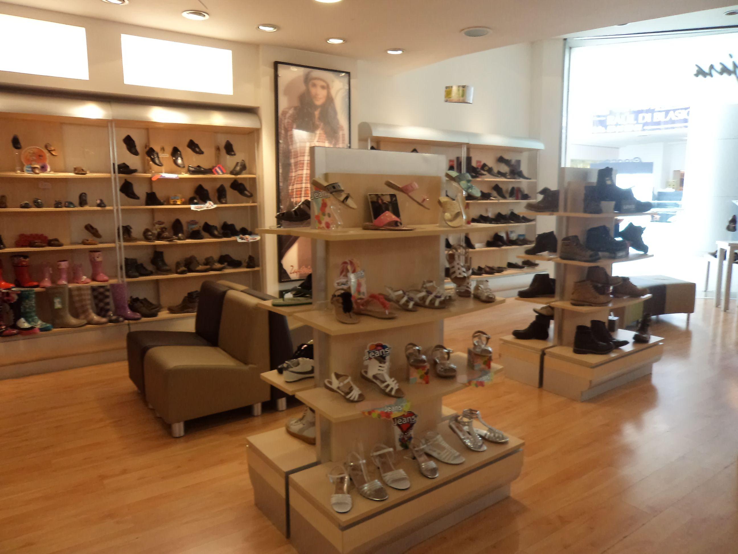 Zapateria Tienda De Zapatos Zapatería Muebles