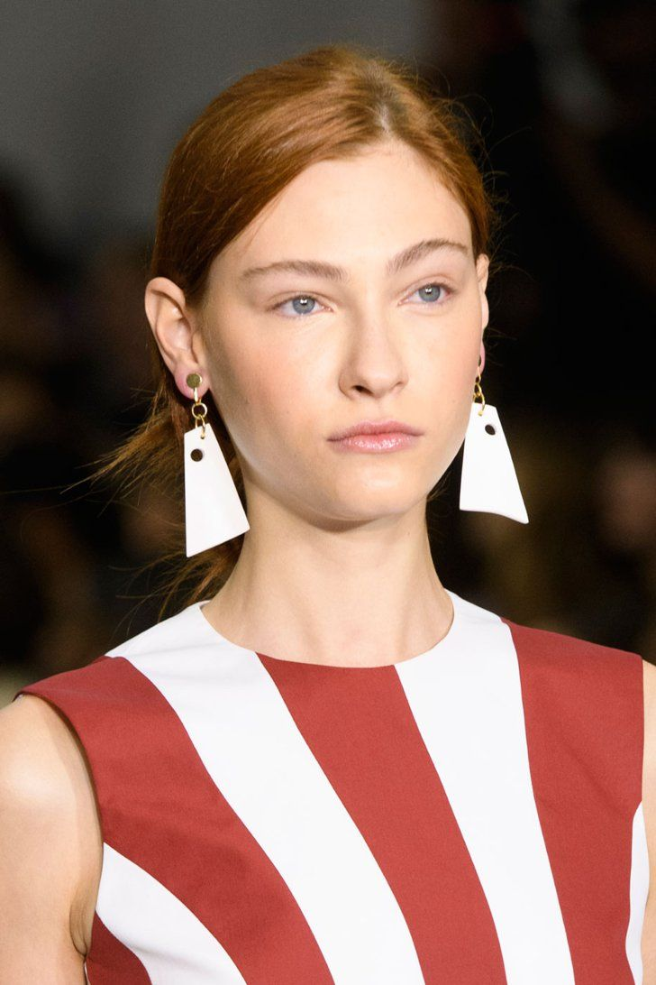 The Beauty Looks Seriously Stunned at London Fashion Week Jasper Conran S/S 2017