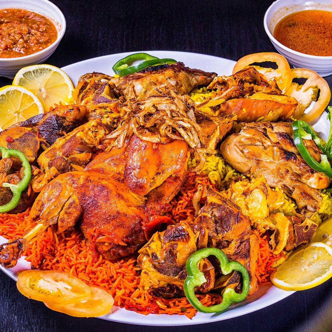 مضغوط وكبسة عائلي Family Compressed And Kabsa Chicken And Meat Food Arabic Food Meat