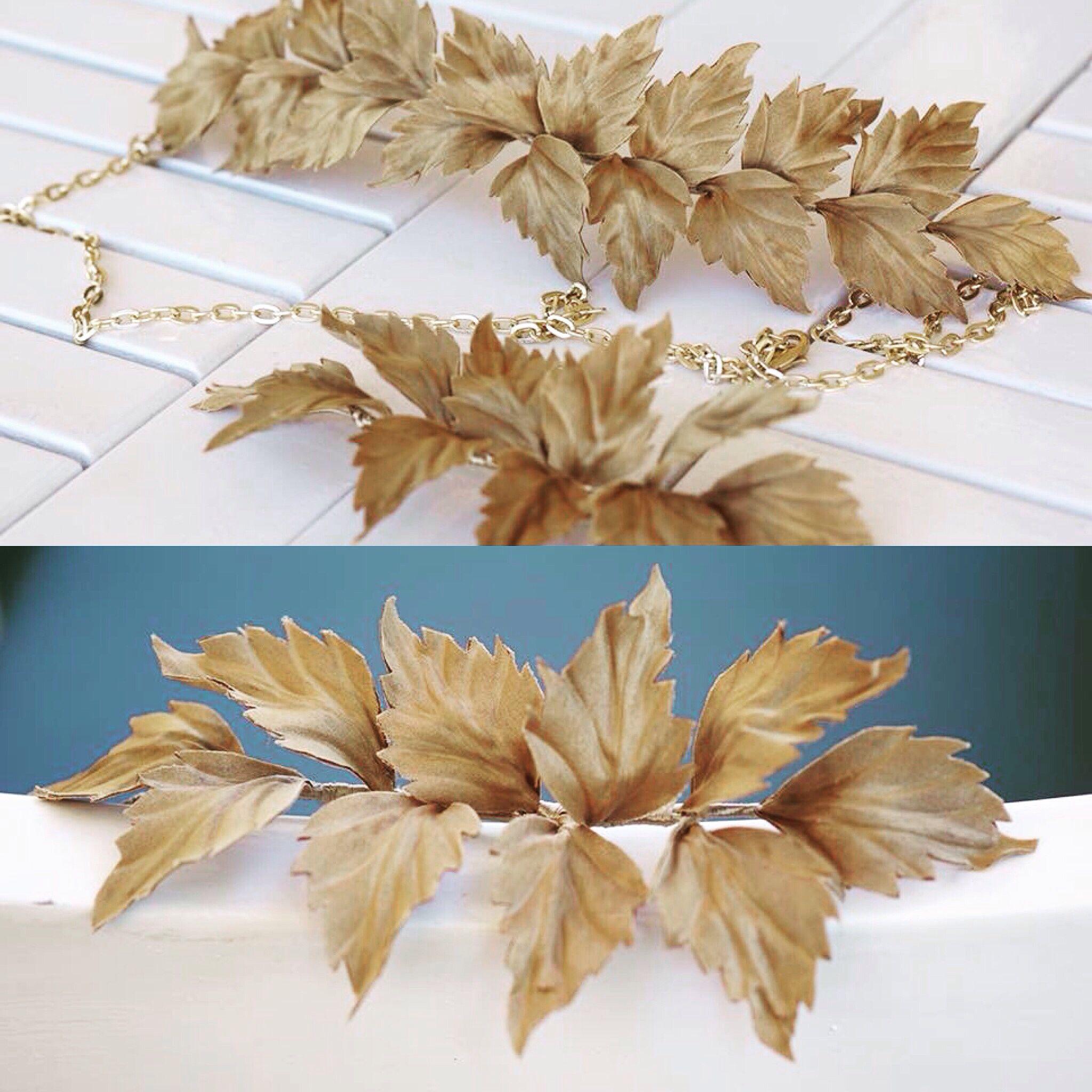 Tocado de hojas diseñado para nuestra invitada. Otra chica d'Clegg.