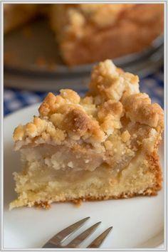 Rezept Fur Einen Kostlichen Kleinen Apfelkuchen Mit Butterstreuseln Kleine Kuchen Backen Beste Kuchen Rezepte Kuchen Und Torten Rezepte