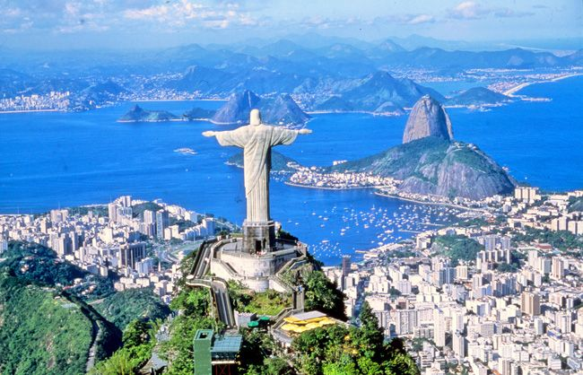 After watching Rio the Animated Film, I have to go, preferably during Carnival....Rio De Janiero - yo queiro