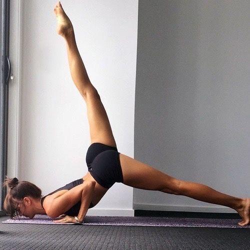 #inspiration #motivation #fitness #stark  #beine #kraft #schon #stark #yoga #pose #schn25 + › Yoga,...