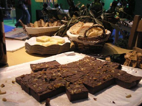 PratoTurismo - Castagnaccio (Chestnut-meal cake)