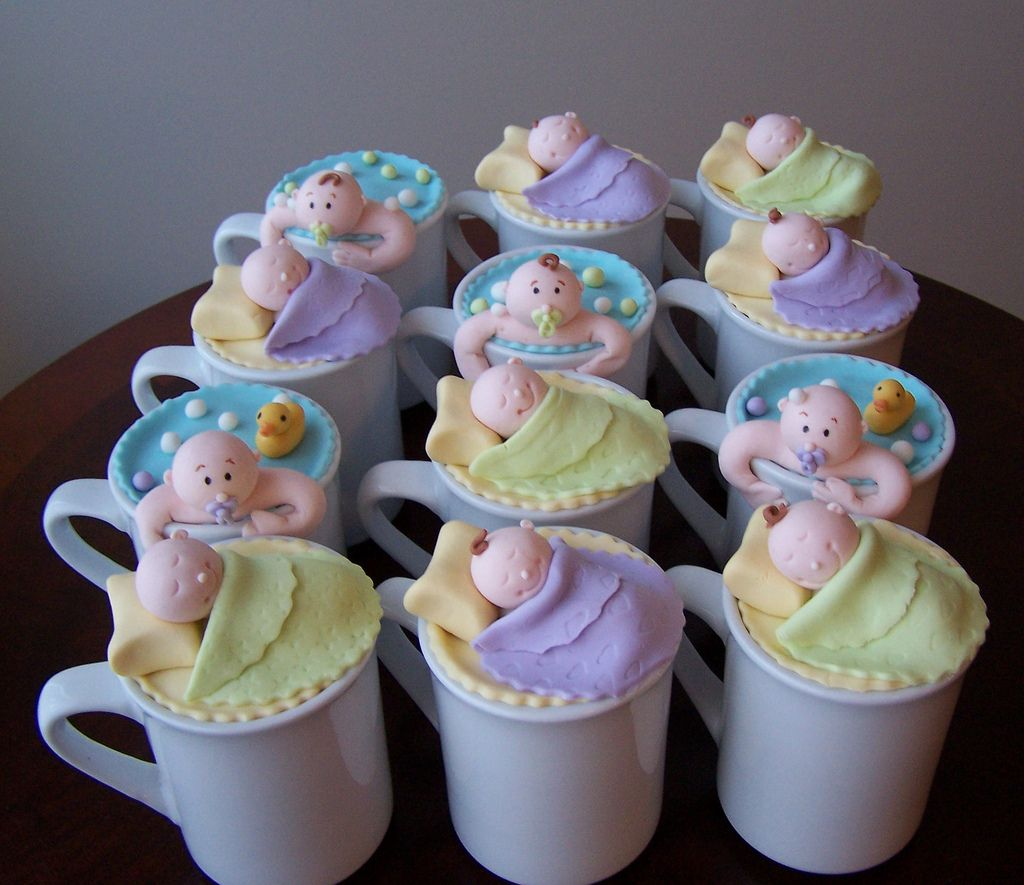 https://flic.kr/p/7vF9BK   Cake in a mug for a baby shower   These were also made for the same baby shower and to match the colours of the carousel. Inside the mug there was a vanilla cake with chocolate ganache and Kalhua.