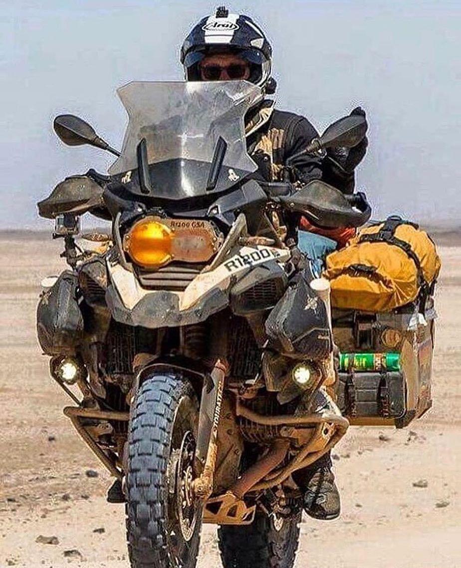 Love the #dualsport life - via @diariodeummotociclista - - - - #wytac #wyvernoutfitters #overland #overlanding #offroading #GetLost #getoutside #getoutdoors #bugout  #4x4 #4wd #adventuremobile #dualsportlife #motolife #motorcycle #bmwmotorcycle #overlandlife