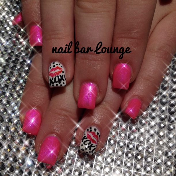 Hugs & Kisses #nails #valentinesnailart #nailart #naildesign | Nail ...