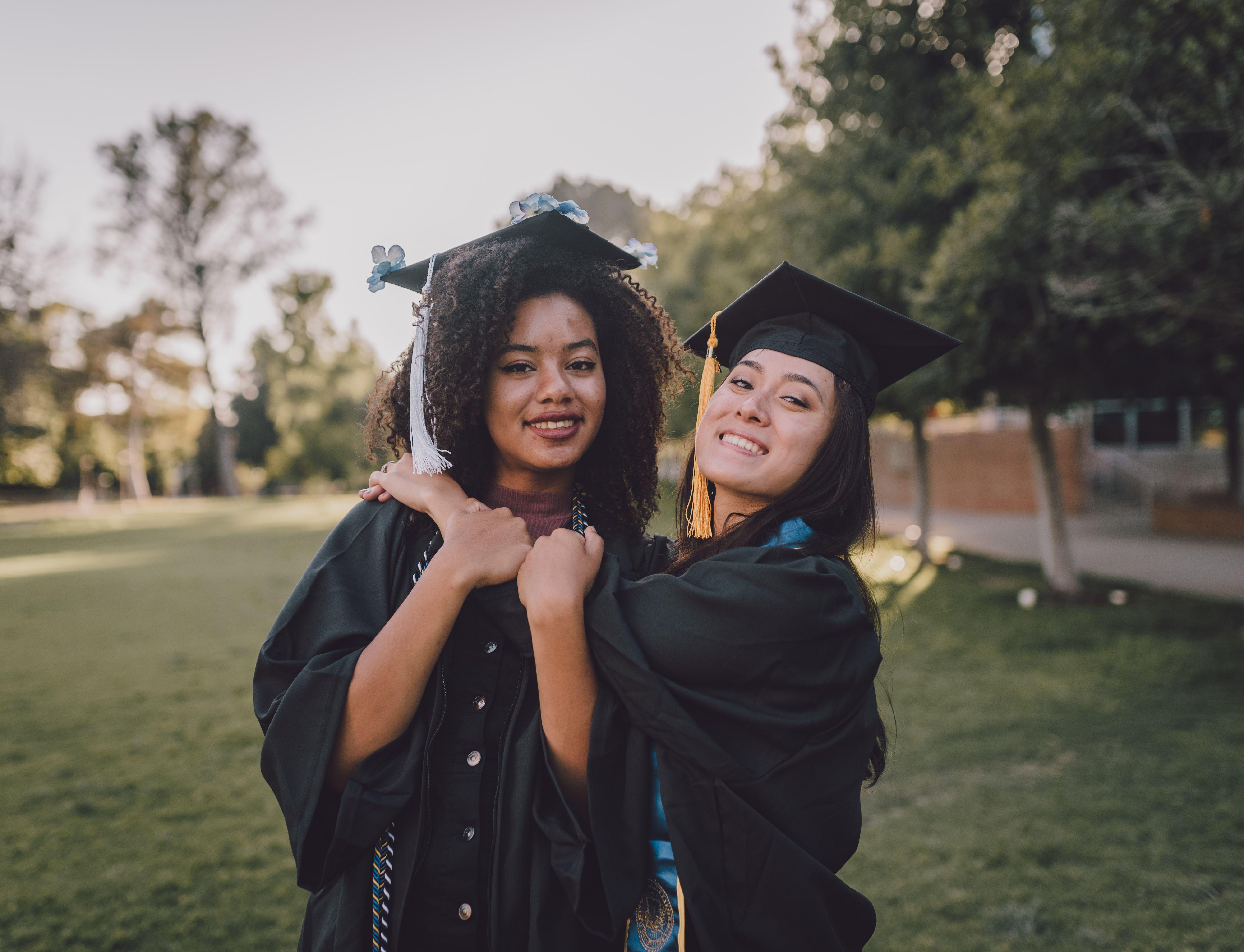 Best Of Friends Graduation Portraits Graduation Photos Graduation