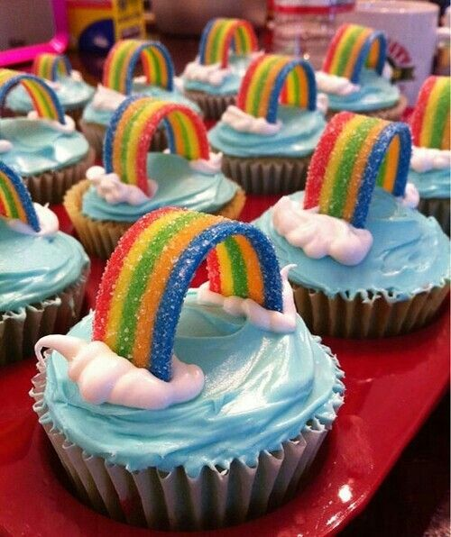Rainbow cupcakes sooo cute