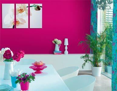 The bright fuschia and aqua combination add a dramatic for Fuschia bedroom ideas