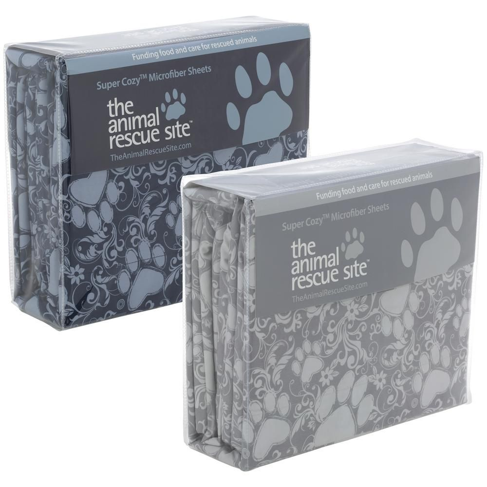 Drift off into a serene slumber with this ultra soft microfiber set. Swirling paws and a floral design make dreaming of your four-legged friend inevitable, while they curl up to sleep right by your side!
