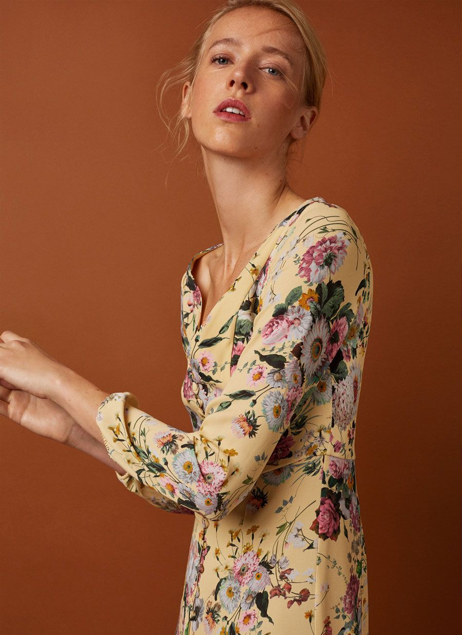 f604d76053 Vestido largo amarillo flores - Ver todo - Última semana - Uterqüe España
