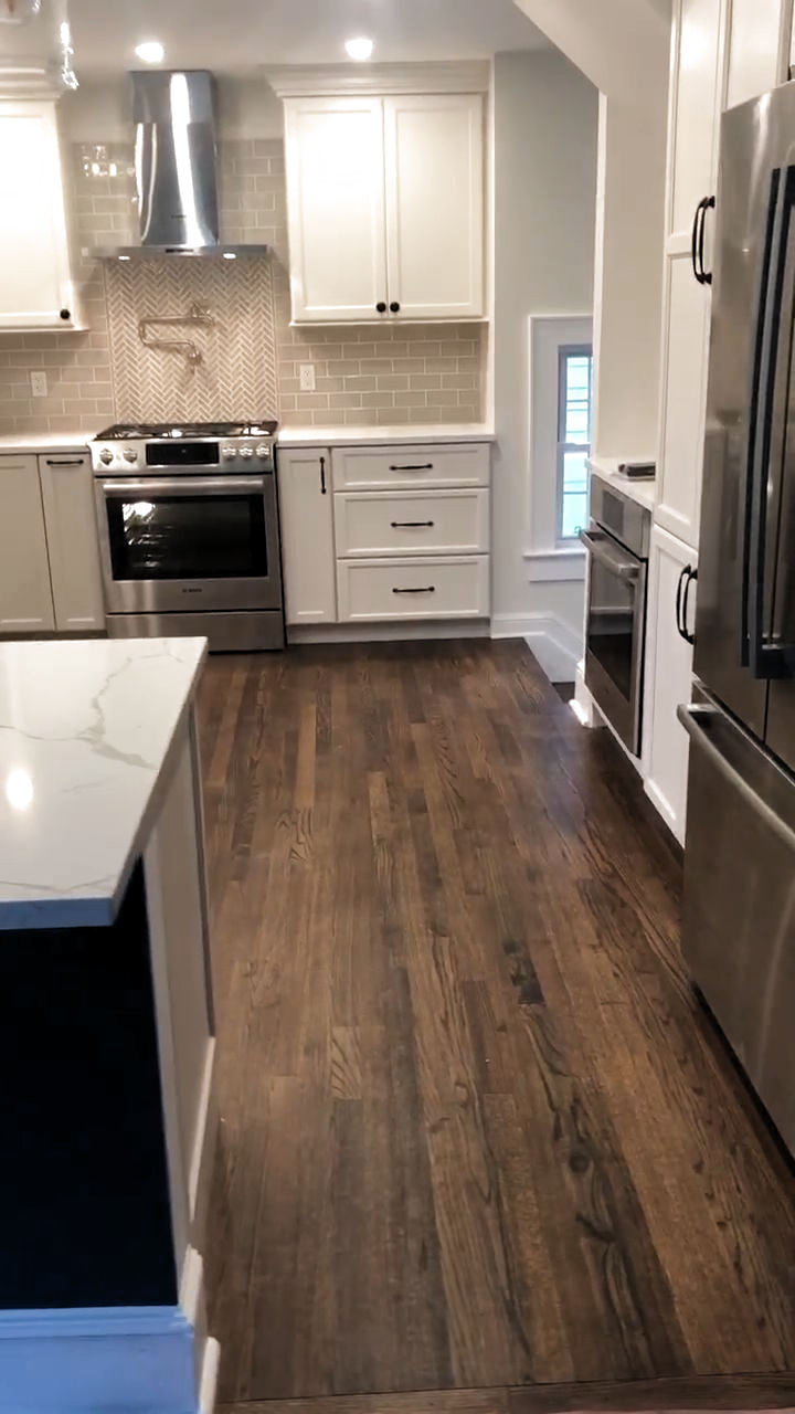 And It All Came Together In Time For The Weekend Cabinetry Here Is Starmarkcabinetry Stratford In 2020 Kitchen Renovation Diy Kitchen Renovation White Kitchen Design