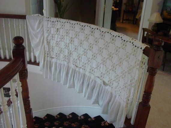 Vintage YoYo Quilt in White | Quilts, White, Home decor