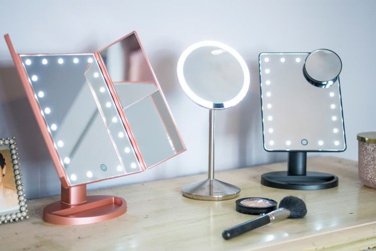 The Best Lighted Makeup Mirrors Of 2019 Reviewed With Images Mirror With Lights Makeup Mirror With Lights Makeup Mirror