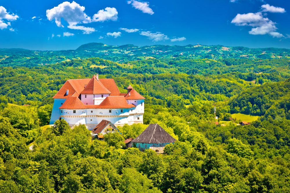 15 Best Day Trips From Zagreb The Crazy Tourist Day Trips Beautiful Places In The World Zagreb
