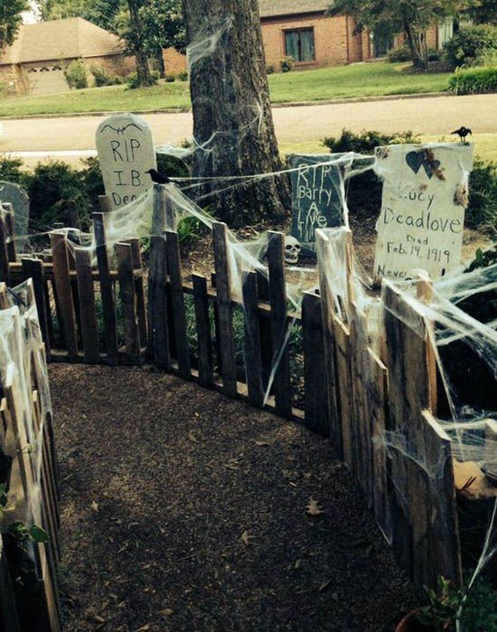 Gorgeous-DIY-Halloween-Decorations-Ideas-12jpg (1024×1303) SORRY - Halloween Graveyard Decorations