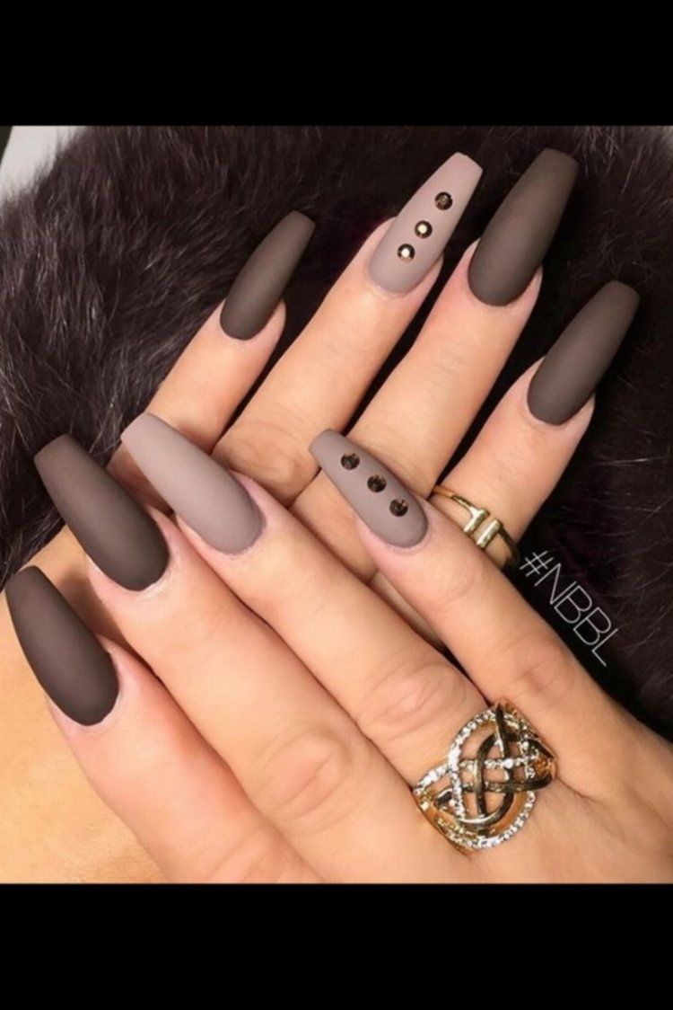 2019 year style- Nail Fall trend: matte nails