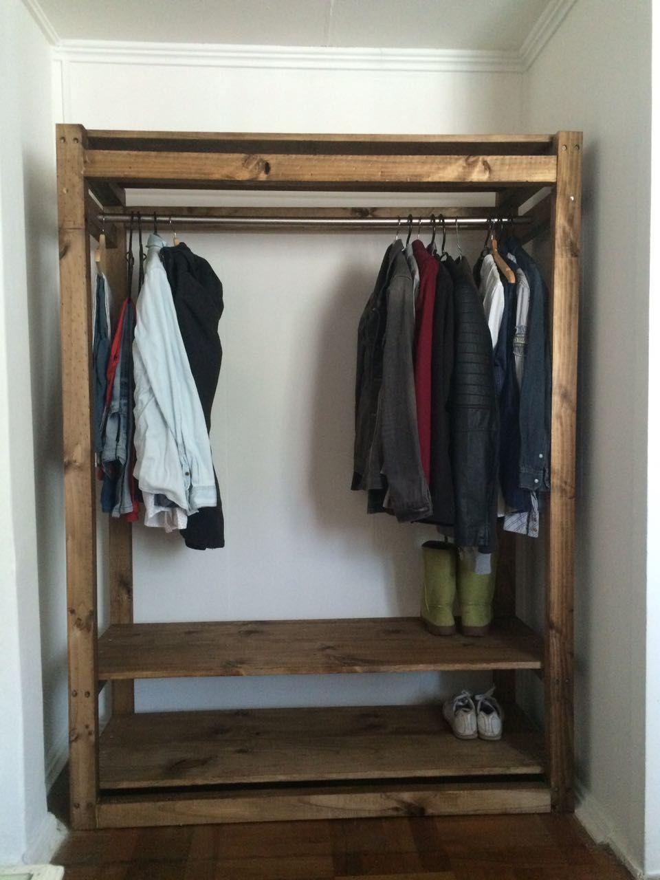 Closet estilo r stico hecho a mano en listones de pino for Closet rusticos