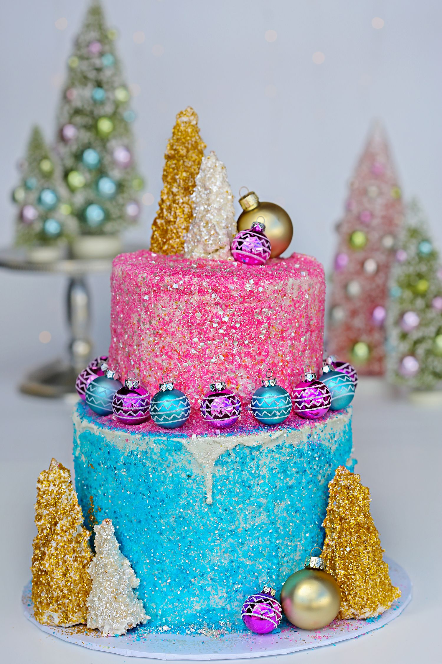 Im dreaming of a pink christmas this cake features