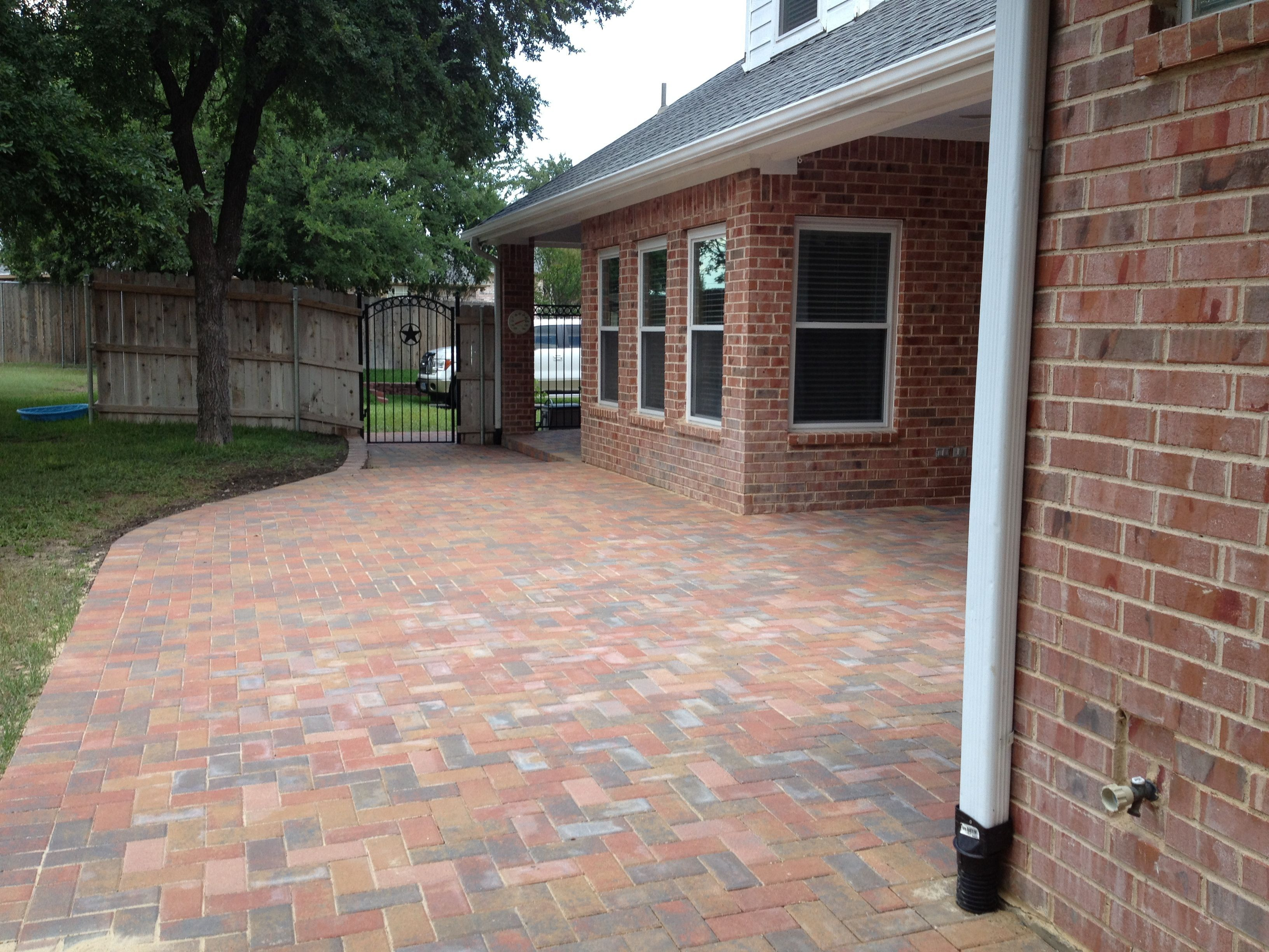 GroundScape a Fort Worth Landscape pany installs a paver