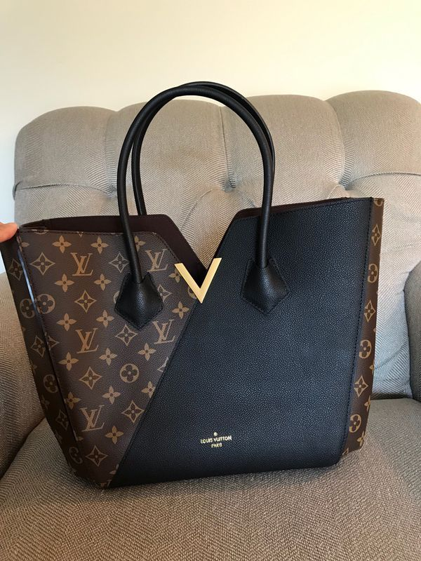 Shirt for Sale in Naperville, IL - OfferUp #louisvuittonhandbags