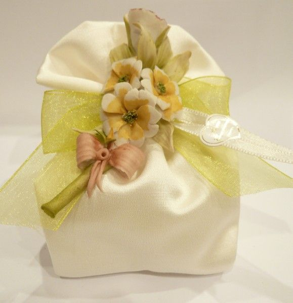 Sacchetto con tralcio fiori di Capodimonte - Fratelli ...
