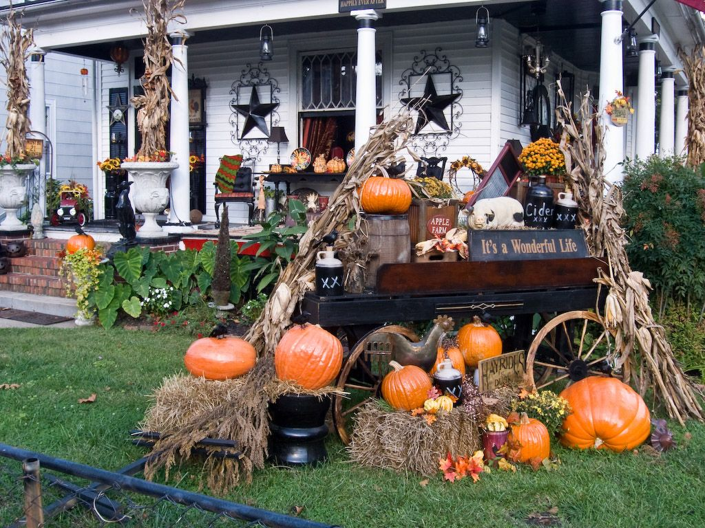 31 cozy simple rustic halloween decorations ideas - Halloween Decorations Outside