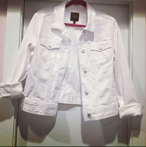 White denim jacket Excellent condition! Sz L but could easily work for a Medium. The Limited Jackets & Coats Jean Jackets