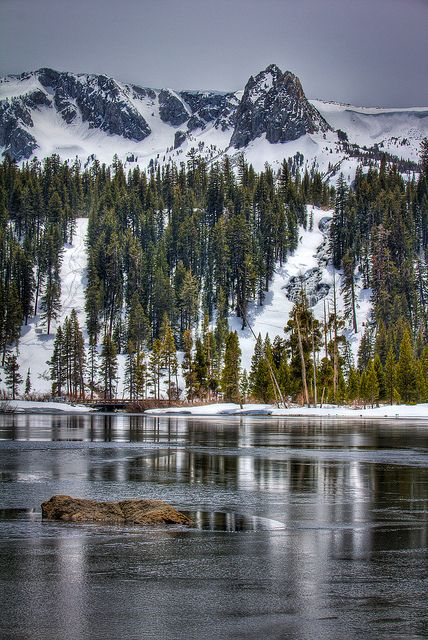 Twin Lakes Iced Over Mammoth Ca Mammoth Lakes Places To See
