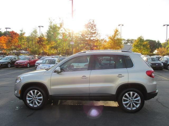 Used 2011 Volkswagen Tiguan 4WD 4dr SE 4Motion | Patrick Volkswagen of Auburn, MA